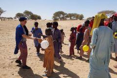 Hilfsaktion_Tschad_Geschenkverteilung-3