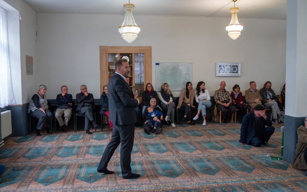 Viele Besucher am Tag der offenen Moschee 2019 im Kanton Aargau
